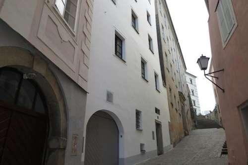 Hübsche, ruhige 35 m² Zweizimmerwohnung in der Hofgasse, Küche möbliert, sofort beziehbar!