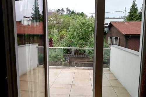 Tolle neuwertige 4 Zi.Wohnung im Ortszentrum, 88 m² WNFL + 11 m² Balkon in ruhiger Lage, inkl. Garage und Stellplatz