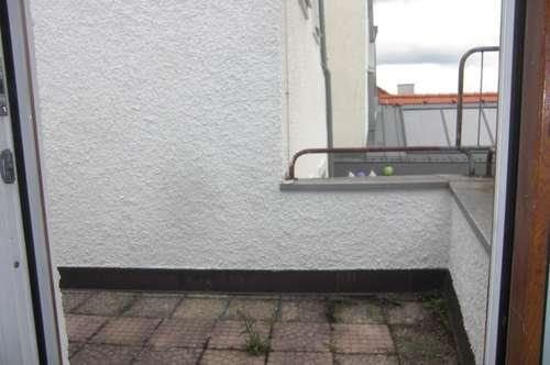 Enns, ruhige 2 Zi. Wohnung 49 m² WNFL inkl. Küche und idyllischer Dach-Terrasse dierekt vorm Stadtplatz