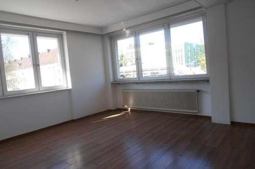 Helle 3 Zi.- Wohnungen, 84 m² WNfl., in Steyr / Tabor, WG geeignet, 1. OG, beste Infrastruktur!