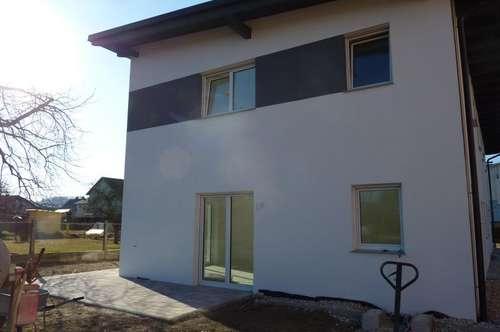 Nähe Pichlingersee: Belagsfertige Doppelhaushälfte, 5 Zimmer, 2 Bäder, ca. 125m² Wohnfläche, ca. 177m² Garten + 2 Autoabstellplätze.