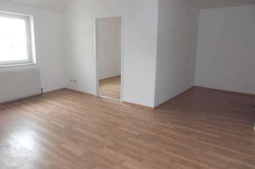 Tolle, ruhige 2 Zi. Wohnung mit idyllischer Dach-Terrasse 49 m² WNFL inkl. Küche nahe am Stadtplatz