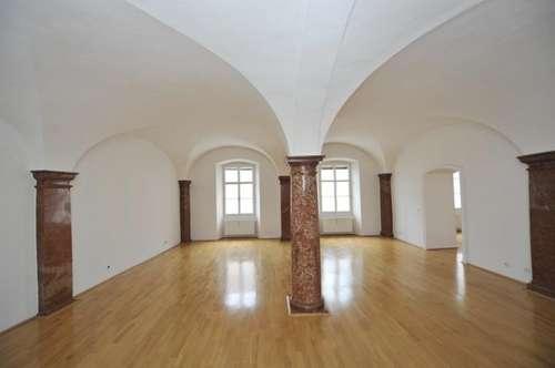 Altstadtjuwel ! 3-Zimmer-Wohnung in der Salzburger Altstadt ! / Beautiful apartment in the oldtown of Salzburg !