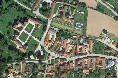 Wohnung zum Kauf mit Blick auf Schloss Walpersdorf