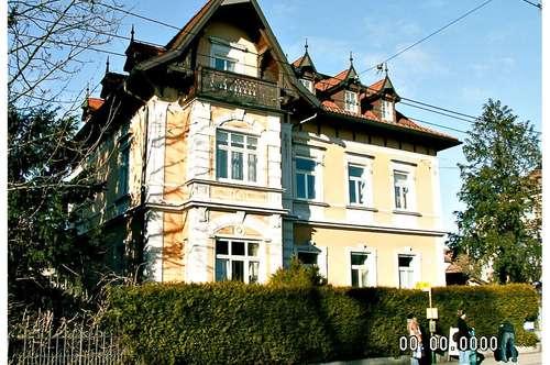 Wohntraum mitten in der Stadt! 4 Zimmer Altbauwohnung mit Balkon, Garten und Pool Salzburg Stadt