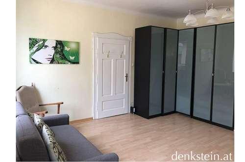 freundliche 2 Zimmer Stadtwohnung im obersten Stock mit Balkon Salzburg Stadt
