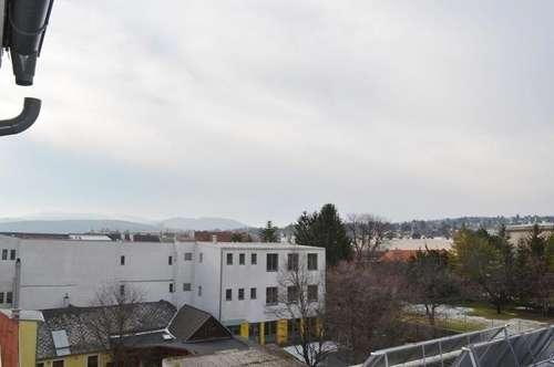 Dachgeschoßwohnung mit Balkon - Anninger Fernblick