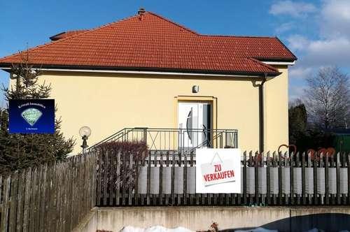 Topsanierte Stadtvilla mit 3 Wohneinheiten - 012990