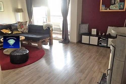 Schöne Dachgeschoss Wohnung in ruhiger Lage - 012980