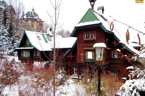 Zweifamilien-Villa