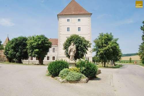 Exklusive Schlosswohnung - 17. Jhdt. trifft Moderne