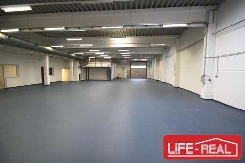 Büro mit beheizbarer Lagerhalle und guter Verkehrsanbindung