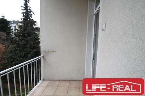 zentral gelegene und lichtdurchflutete Mietwohnung mit hofseitig ausgerichtetem Balkon, jetzt mit VIDEOBESICHTIGUNG auf LIFE-REAL.at