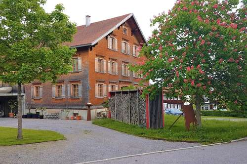 hochwertig renoviertes Wälderhaus