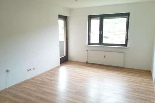 Gepflegte 2-Zimmer-Wohnung mit Küchenblock und Loggia in Mitterdorf/Mzt. !