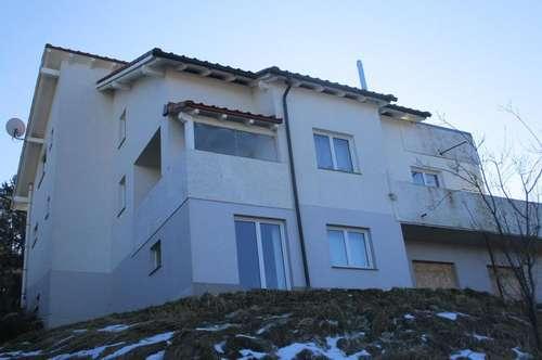 Neuwertiges Wohnhaus mit schöner Aussicht in Bruck/Mur !