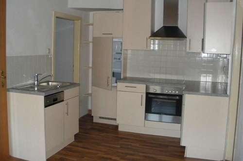 Ruhige 3-Zimmer-Altbauwohnung mit Küchenblock in Bruck/Mur !