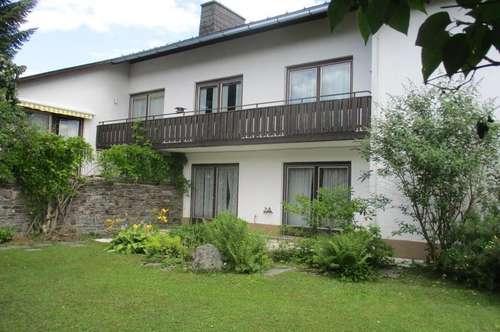 Geräumiges Zweifamilienhaus in ruhiger Wohnsiedlung in Mürzzuschlag !