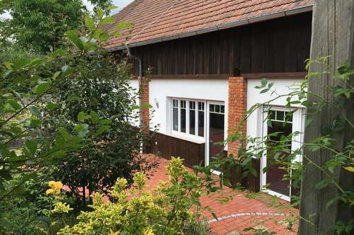 Burgenländischer Vierkanthof mit wunderschönem Garten