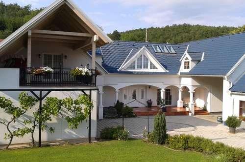 Wunderschönes , neuwertiges Landhaus zu vermieten