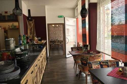 Sehr schönes Geschäftslokal mit Wohnung, ideal gelegen neben 3 Schulen.