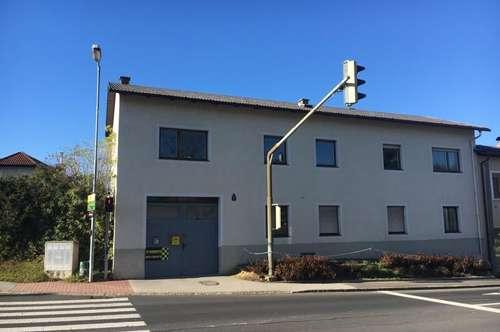 Preiswert!!! Großes Wohnhaus mit 3 Wohnungen , Innenhof und Stadel!