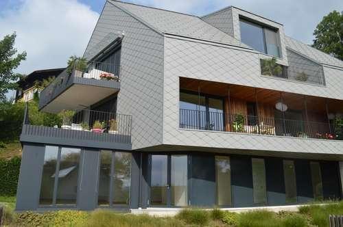 Repräsentative Wohnung im Erdgeschoss mit großzügiger Terrasse und Garten!