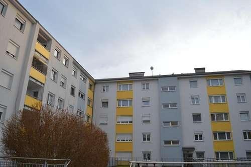 Top sanierte barrierefreie 4-Zimmerwohnung zentral in Amstetten