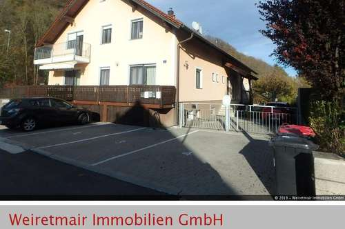 Mehrfamilienhaus mit 4 Eigentumswohnungen in Viehofen