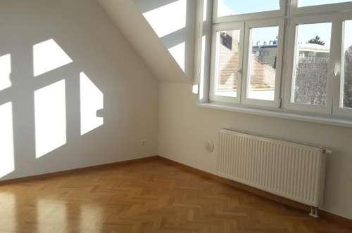 EXKLUSIVE 4 Zimmer Maisonette + Terrasse + Wohnküche mit Einbauküche im Zentrum von. Stockerau KEINE ABLÖSE !!!!