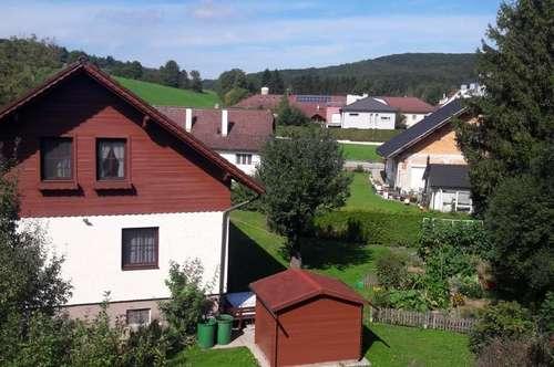 Klein aber Fein 2 Zimmer Dachgeschoss + Garten + Parkplatz mit Fernsicht in Grünruhelage KEINE ABLÖSE