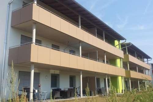 3-Zimmer-Wohnung mit schöner Terrasse und Grünfläche