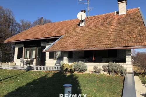 Hörst Du die Stille? Einfamilienhaus mit Nebengebäude und Stall in Slowenien