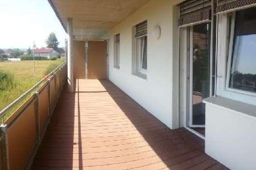 2-Zimmer-Wohnung mit großem Balkon!