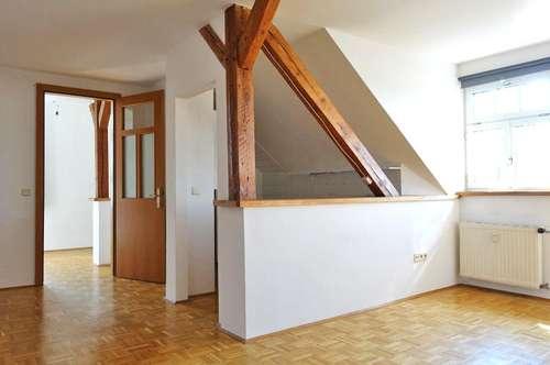 Dachgeschoßwohnung / 3. Stock
