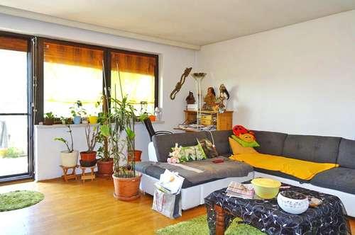 Helle, sonnige Wohnung mit Balkon
