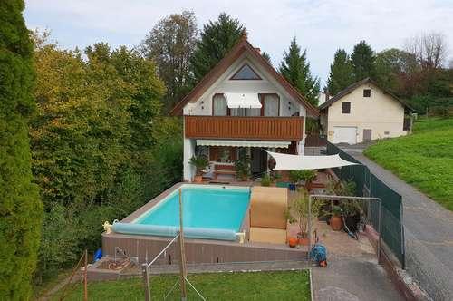 Familienhaus mit Pool am ruhigen Stadtrand