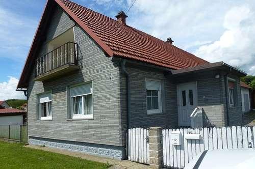 Sonniges, gepflegtes Wohnhaus