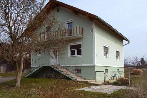 Stockhaus- Wohneinheit mit Nebengebäude