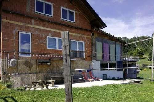 Teilausgebautes Haus mit Potential