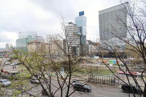 Sanierungsbedürftige 236 m² Praxis oder Büro, auch teilbar auf 3 Wohneinheiten