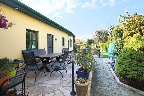 Einfamilienhaus mit wunderschönem 755qm großen Grundstück mit Schwimmbad in Ruhelage