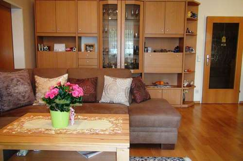 4 rooms Appartment with balkony and parking space