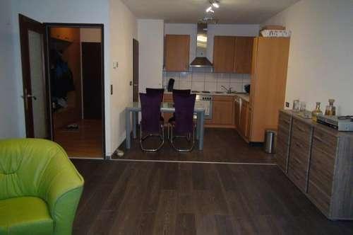 Wohnung mit 2 Loggien, Nähe KH Wiener Neustadt