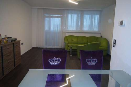 Greatly located apartment on the 5th floor with elevator and 2 loggias