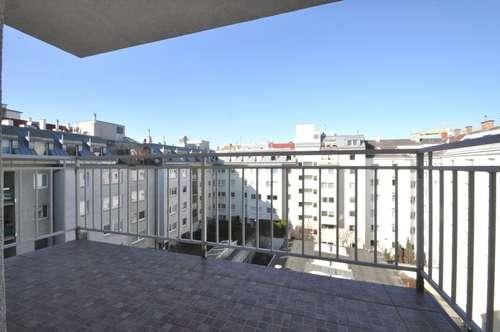 Nähe U1 Reumannplatz - Dachgeschoss mit 3 zentral begehbaren Zimmern