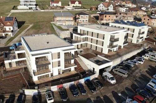 ERSTBEZUG - Eigentumswohnung mit Garten und Terrasse