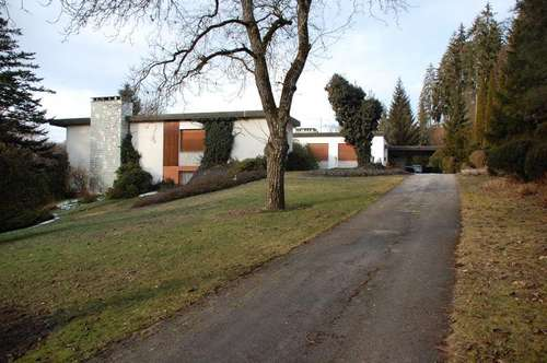 Repräsentative Villa mit Parkgrundstück