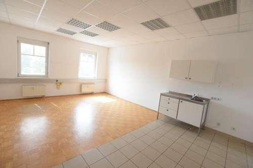 8072 Fernitz: Kleinbüro in Grazer Umland