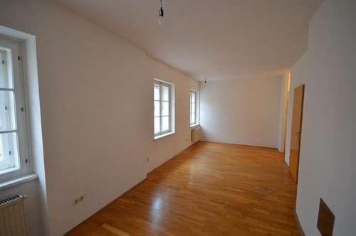 Zentral gelegene 3-Zimmerwohnung auf 2 Ebenen!